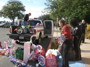 FEMA_-_42740_-_Toys_for_Tots_donation_in_Texas
